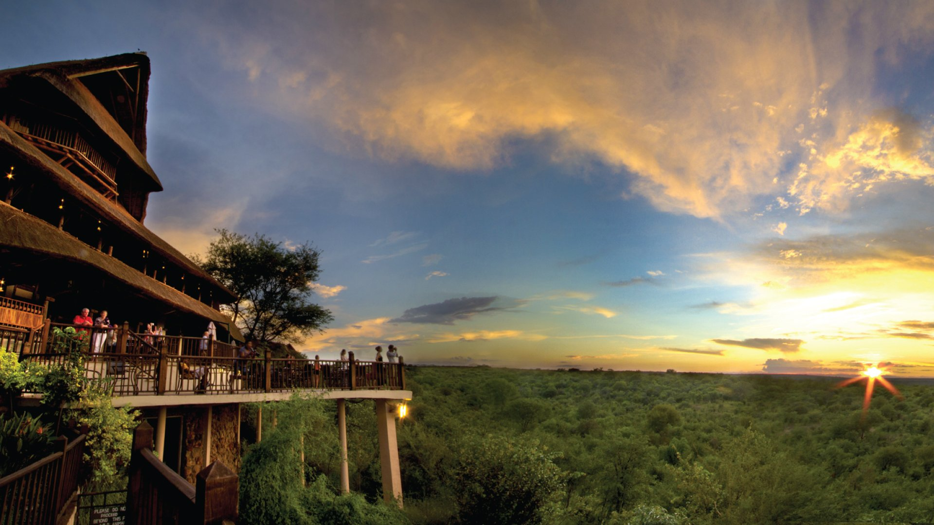 Victoria-Falls-Safari-Lodge-Hotel-sunset